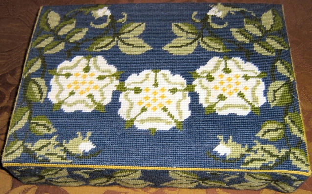 Yorkshire rose – stitched by Ann Hallidie
